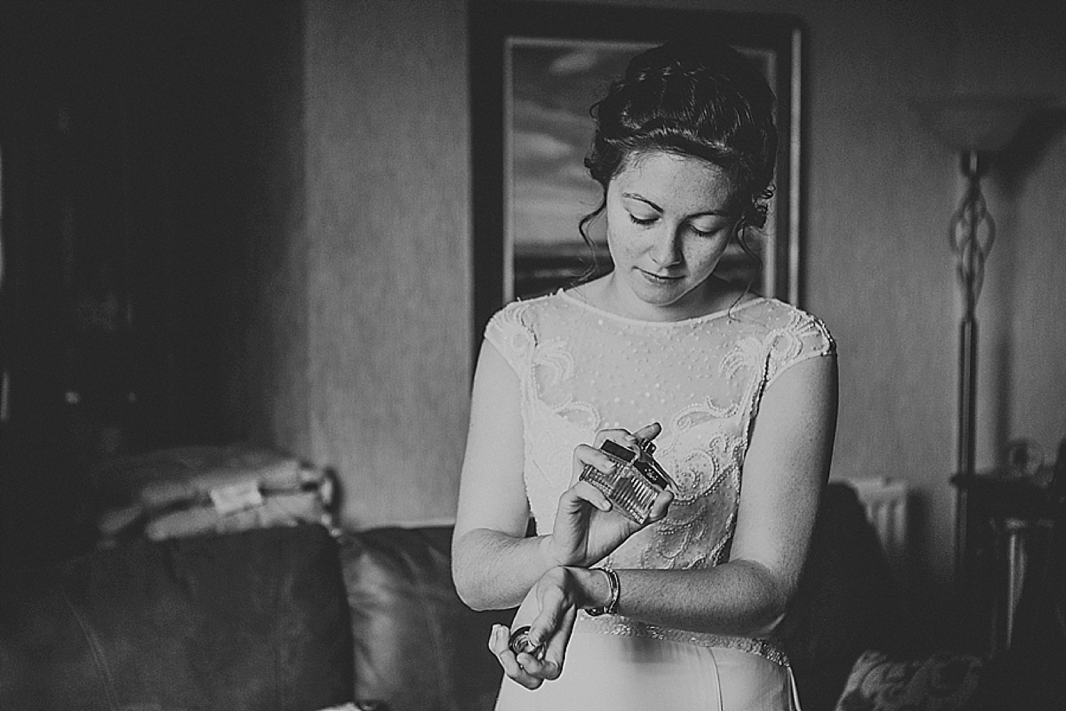 bridal prep, bride getting ready