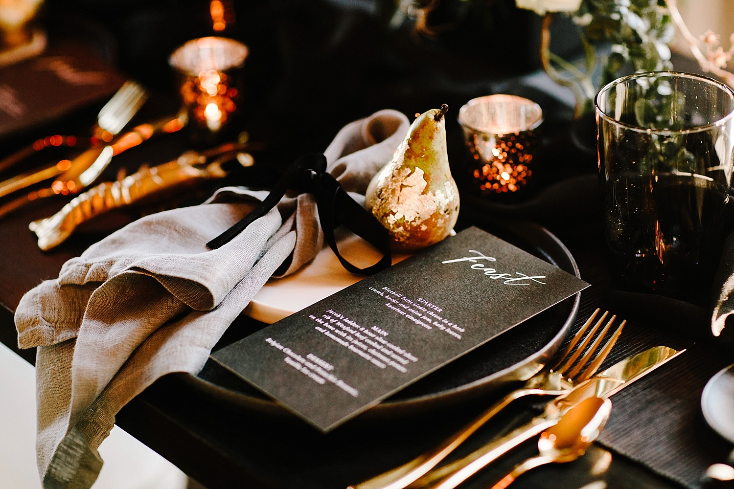 wedding table styling black and gold